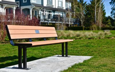 Larson-Park-Bench-in-Pit-Meadows-BC
