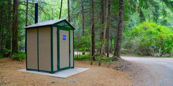 Wheel-Chair-Accessible-Pit-Toilet-at-Horn-Lake-Regional-Park