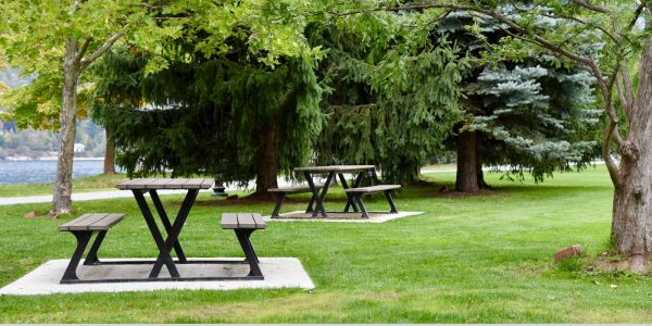 Wishbone Bayview Picnic Tables in Nelson BC (1)