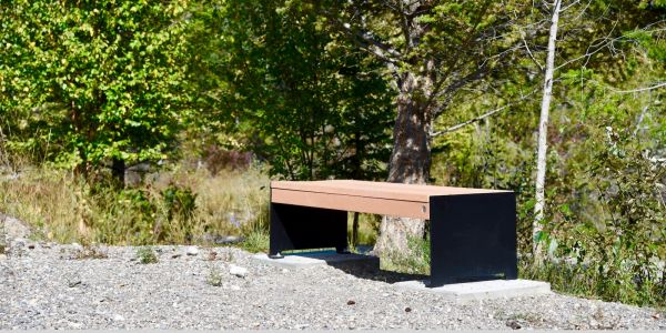 Wishbone Hutch Straight Bench in Invermere BC (2)