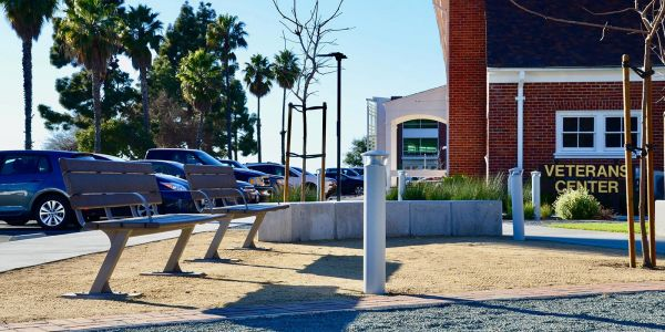Wishbone-Bayview-Park-Benches-at-California-Maritime-Academy-in-Vallejo-California