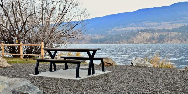 Wishbone-Parker-Picnic-Table-in-Lake-Country-BC-(1)