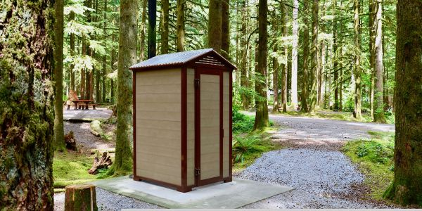 Wishbone-Regular-Pit-Toilet-in-Golden-Ears-Provincial-Park-BC-2