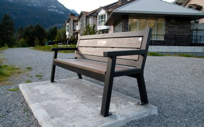 Wishbone-Rutherford-Angled-Leg-Bench-with-qwica-Memorial-Plaque-in-Squamish-BC