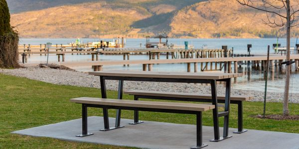 Wishbone-Rutherford-Picnic-Table-in-West-Kelowna-BC
